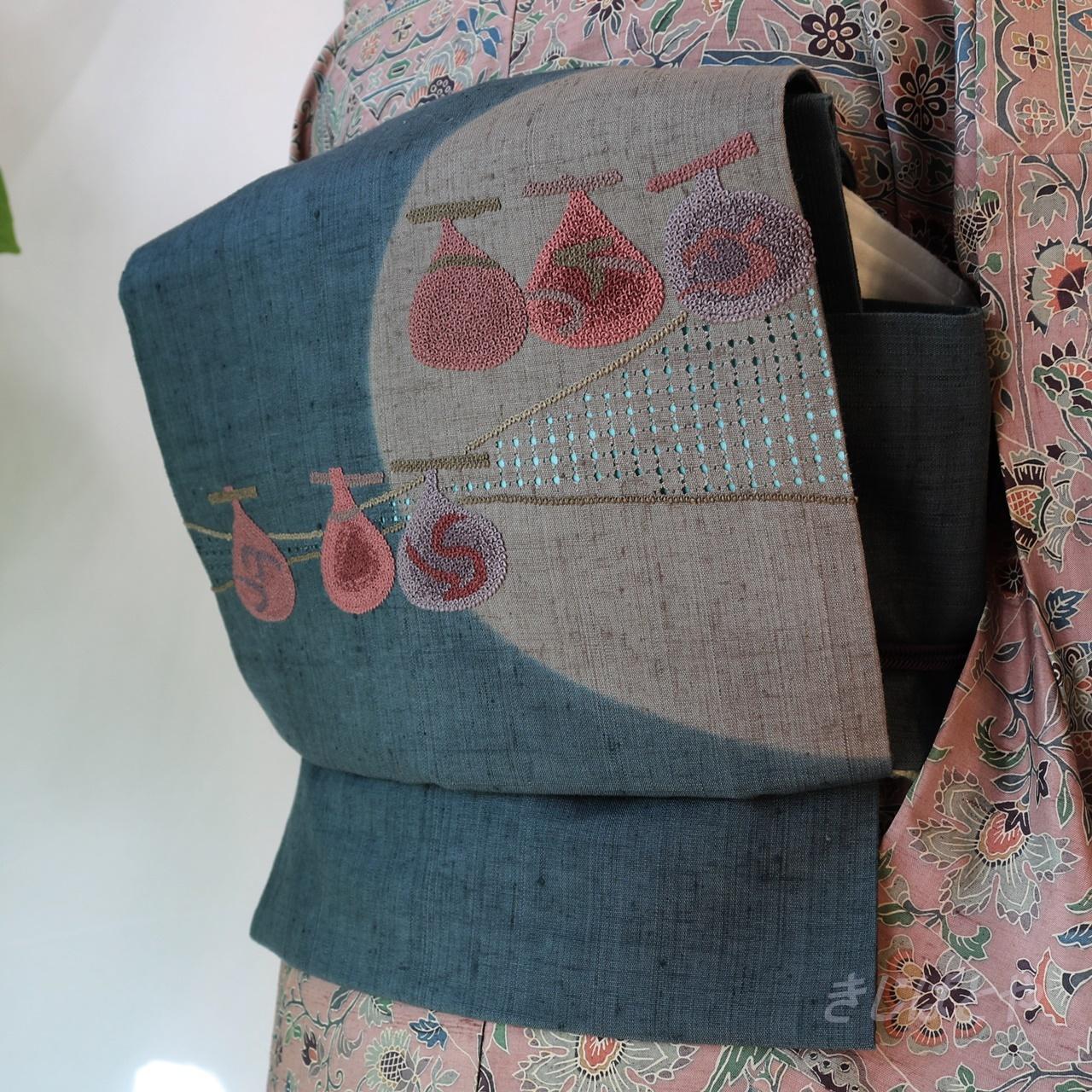 【N様ご予約品】正絹紬 青黒に相良刺繍とスワトウのなごや