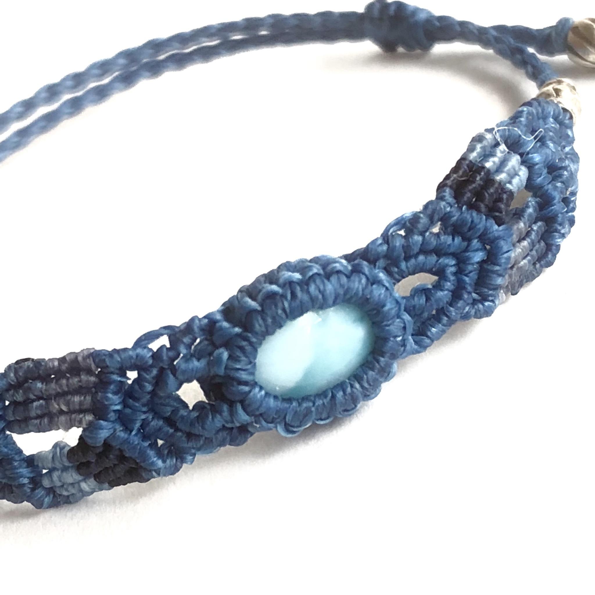 カリブ海の宝石ラリマーの細身ブレスレット