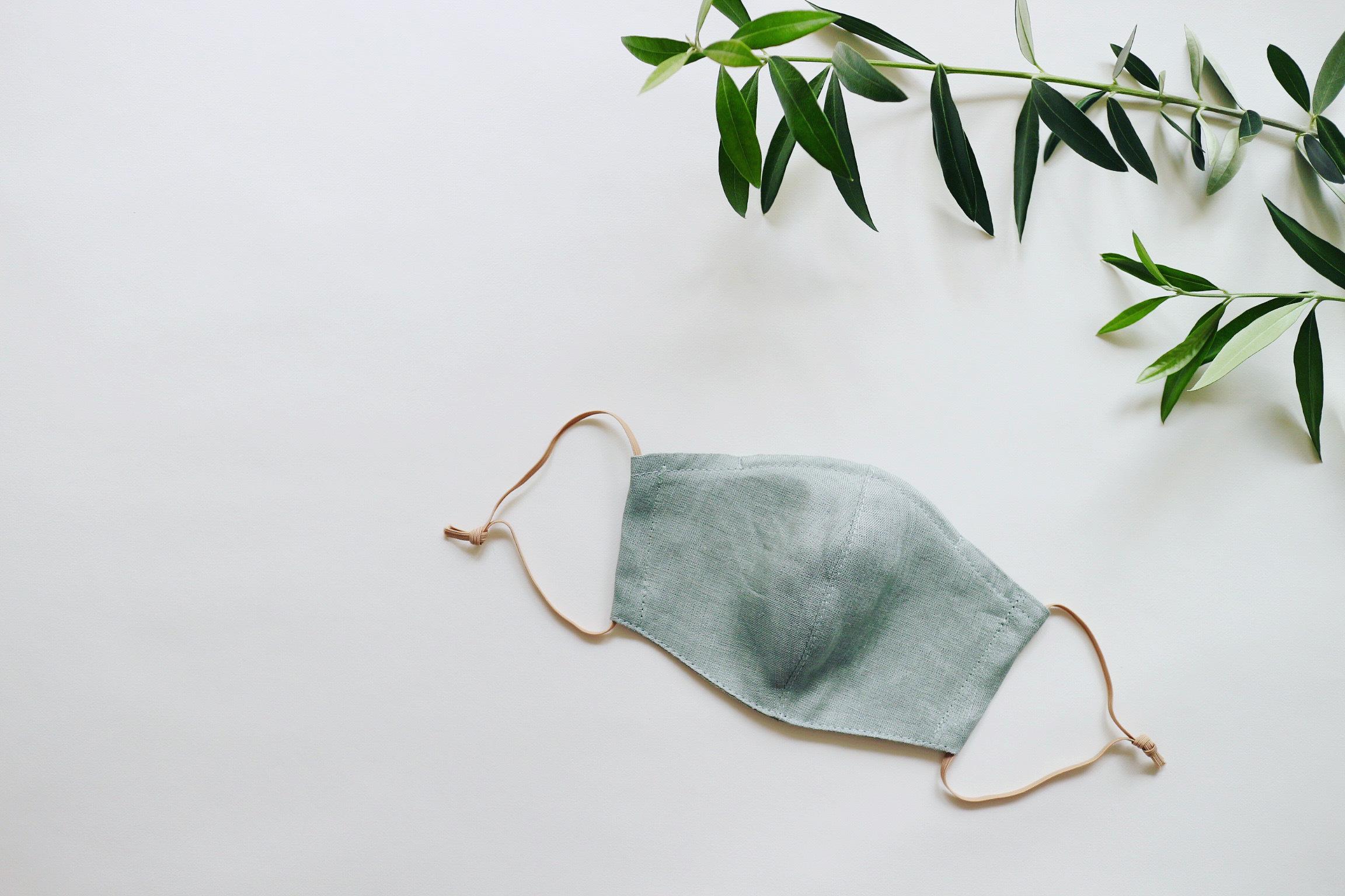 リネンのカラーマスク(リバーシブル) クスミント × シルクリネンオフホワイト 1枚