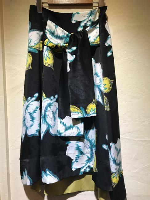 Coomb   クーム       ビッグフラワープリントフィッシュテールスカート