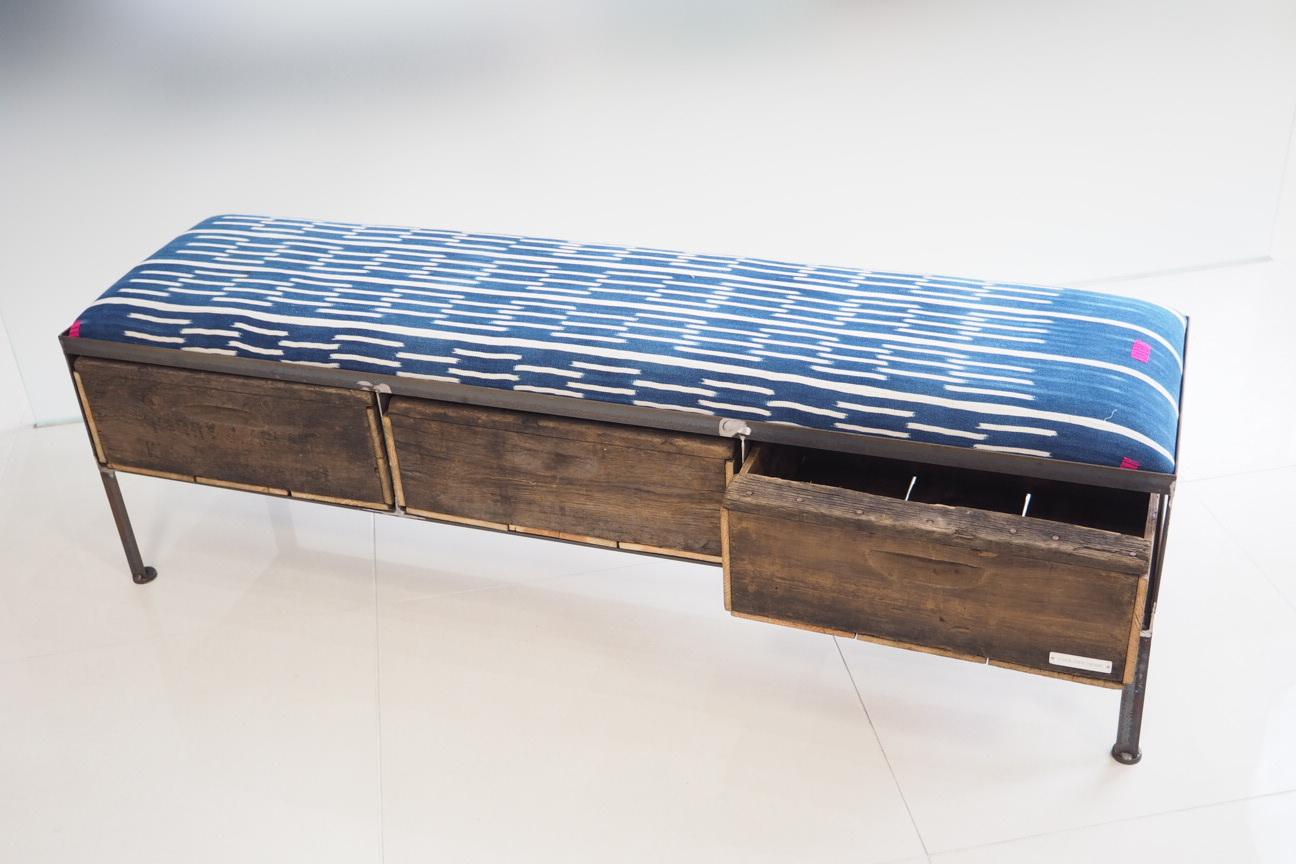 品番UAI3-118  3drawer ottoman[nerrow/African indigo batik tribal]