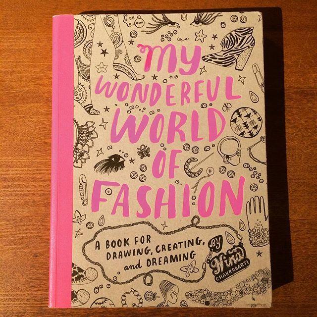 イラスト集「my wonderful world of fashion/nina chakrabarti」 - 画像1