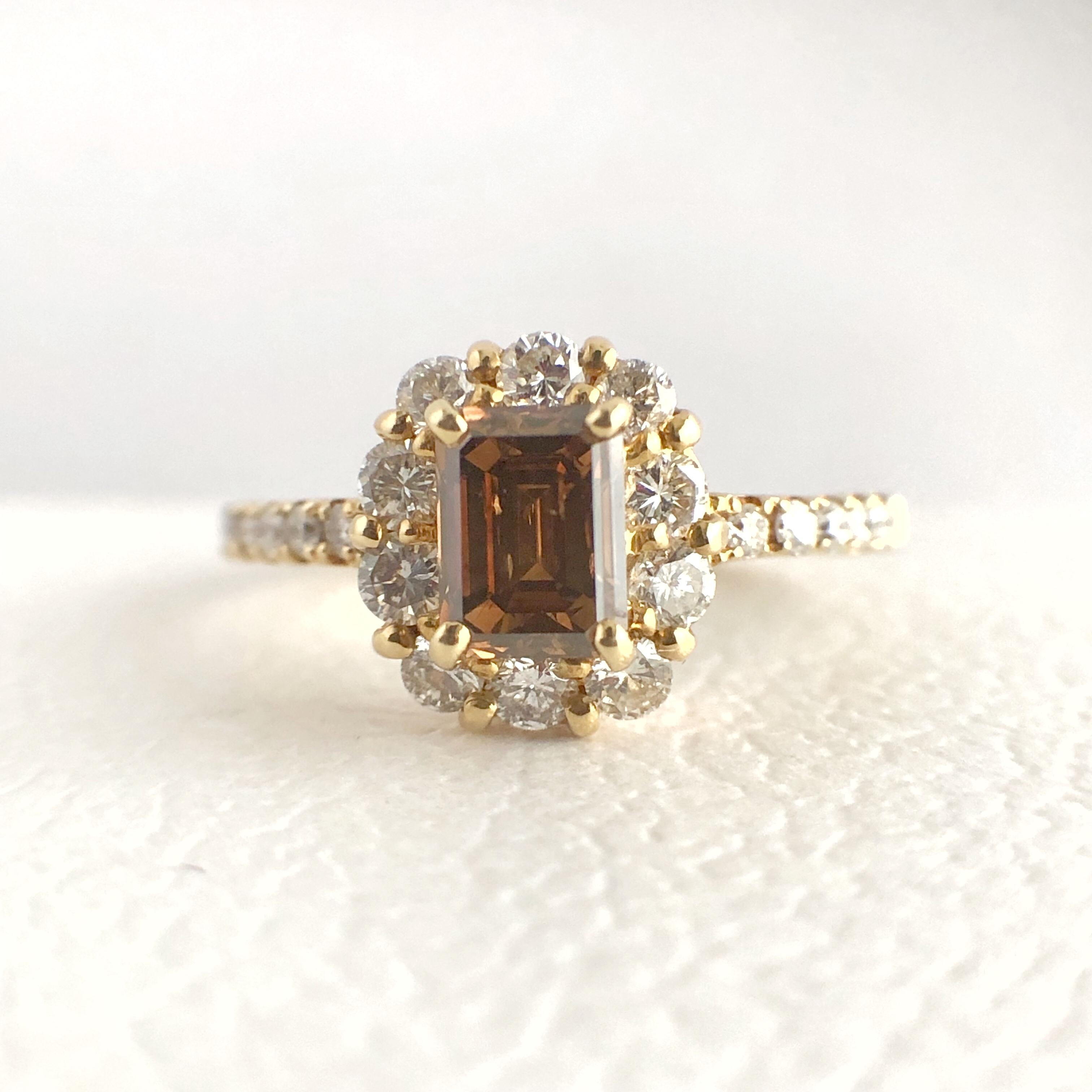 ブラウンダイヤモンド ヘイロー リング 0.571ct K18イエローゴールド  チェカ 鑑別書付