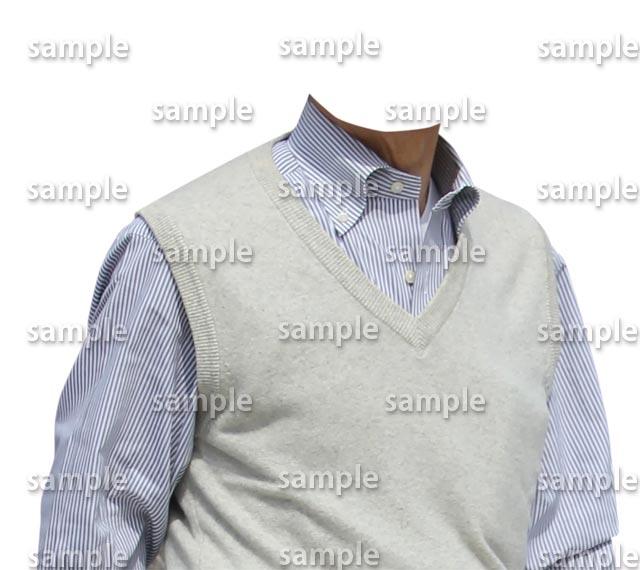 男性白ベスト水色シャツ斜めB