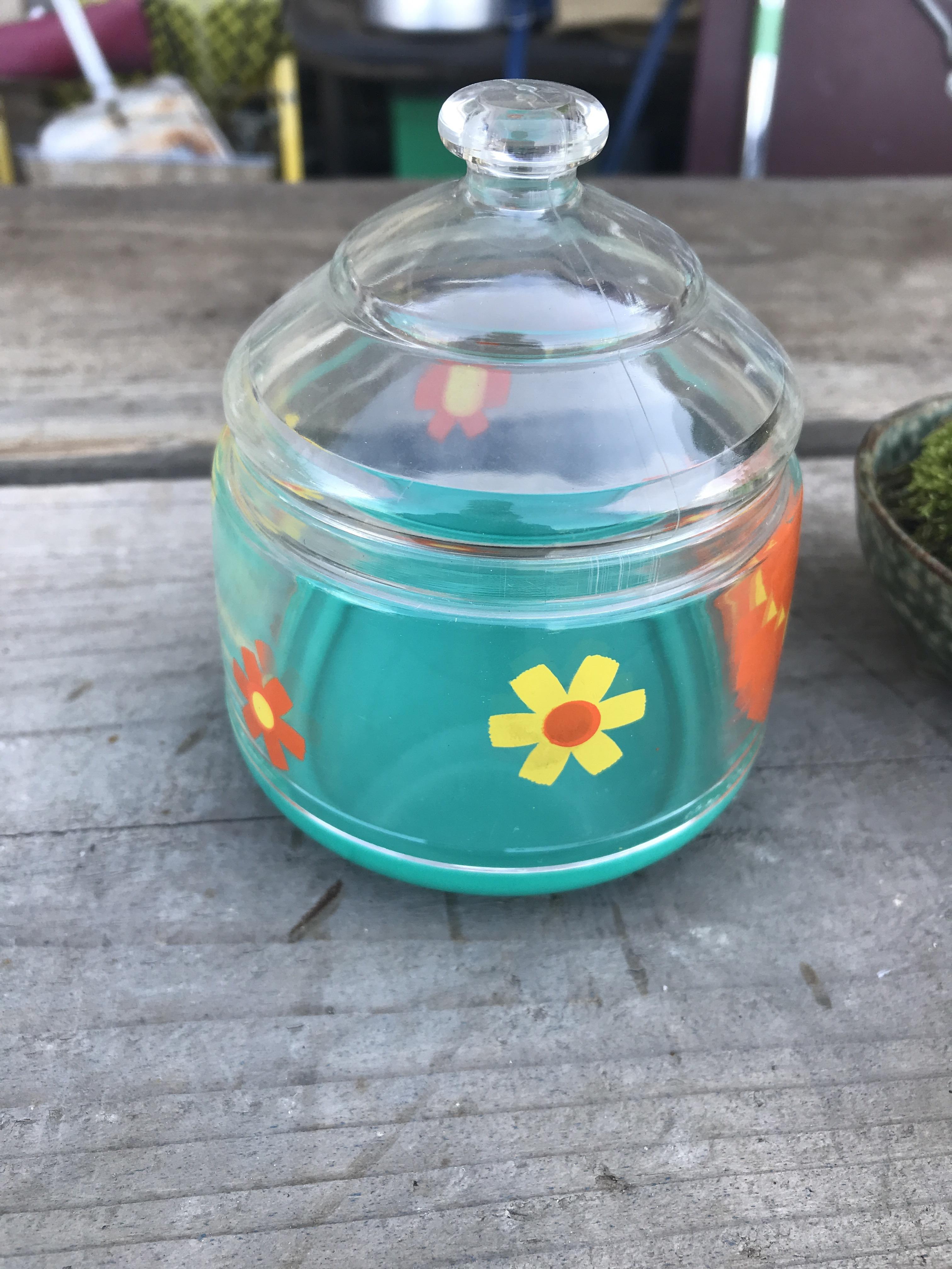 ★ レトロ花柄プラスチック製ケース