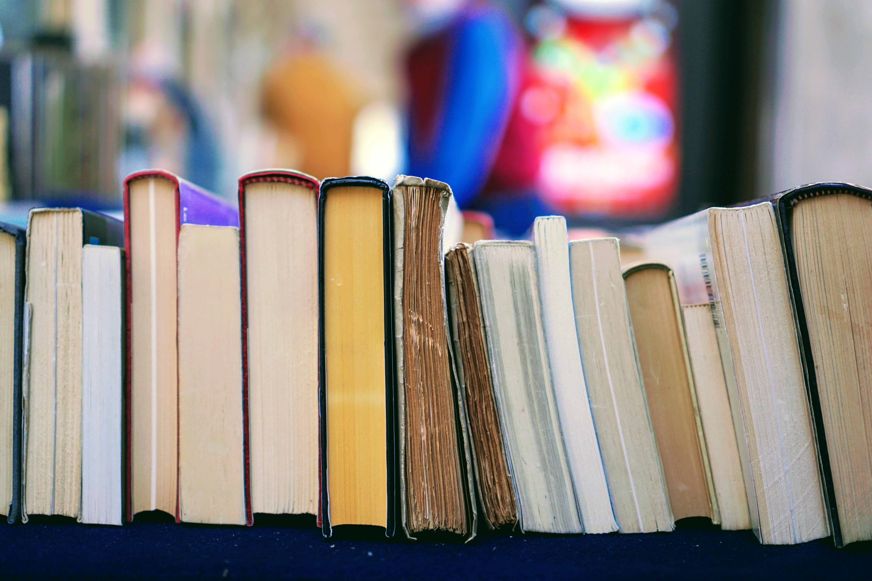 UX関連の書籍を紹介できます。10冊ほど。