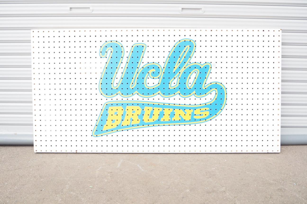 品番0539 UCLA  ペグ看板