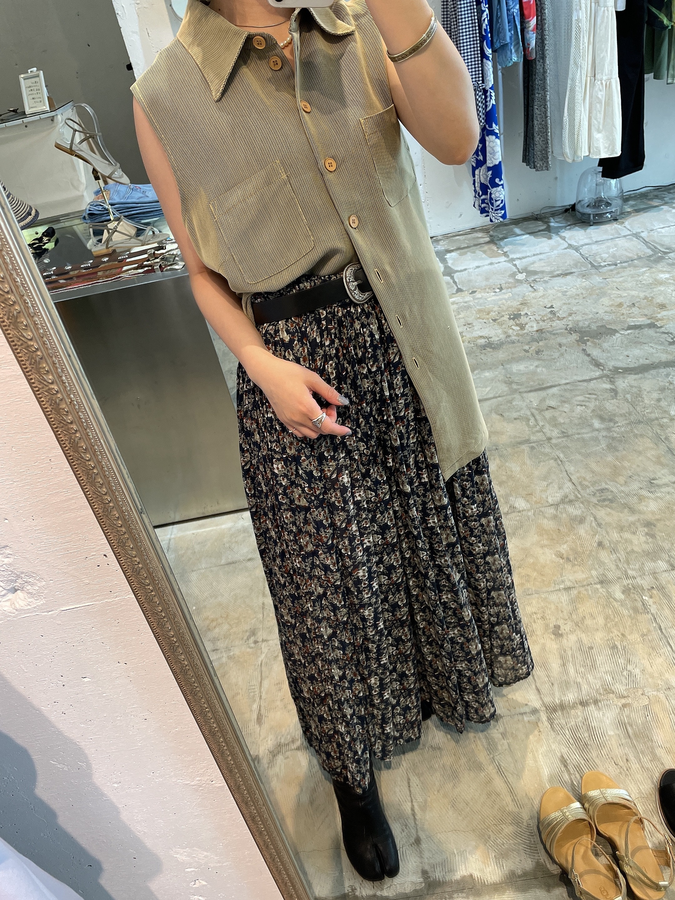 Euro vintage  sleeve less shirt / made in French