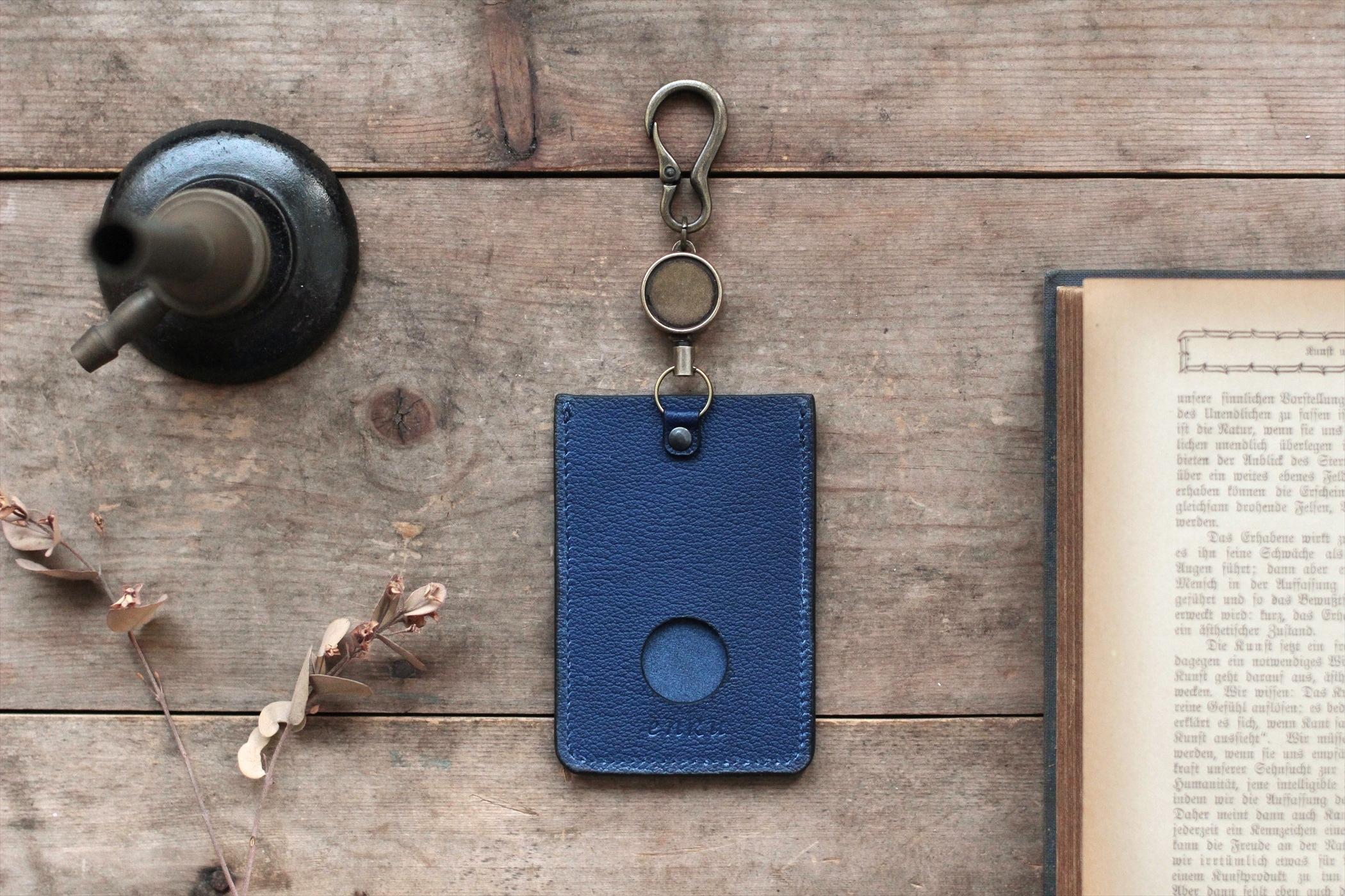 藍染革[shiboai] リール付ICカード・パスケース