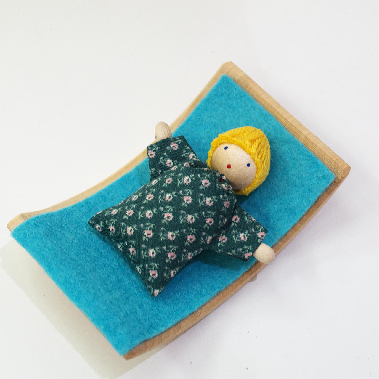 ヘアヴィック製人形 金髪の赤ちゃん