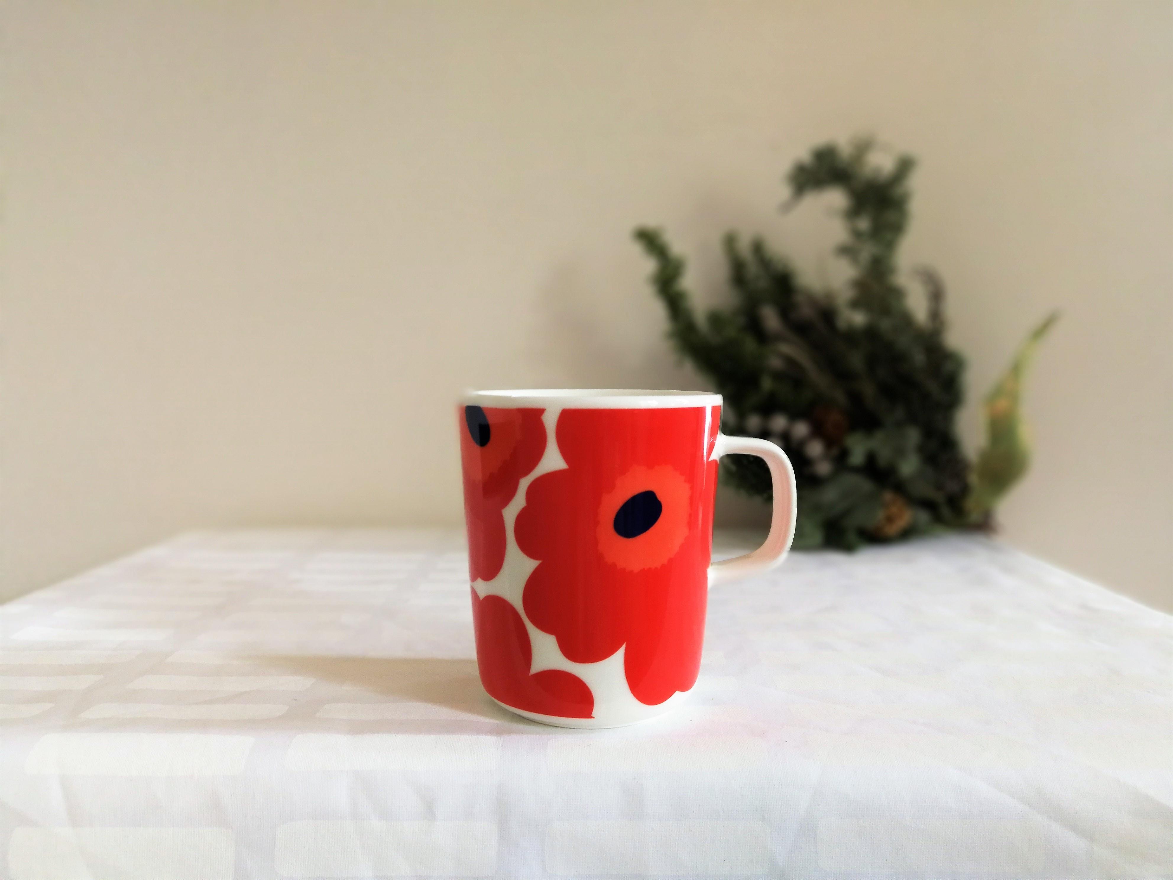 [お得なセット] marimekko マグカップ x iittala  ティーマ  (ウニッコレッド250ml x ティーマ白15cm プレート)