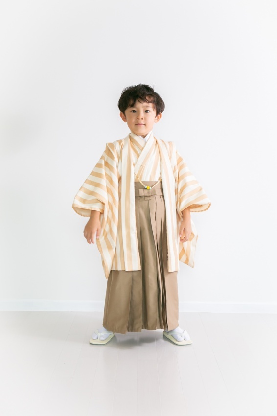 6月9日再販決定!5歳男子 ストライプ(ベージュ) 羽織袴7点セット