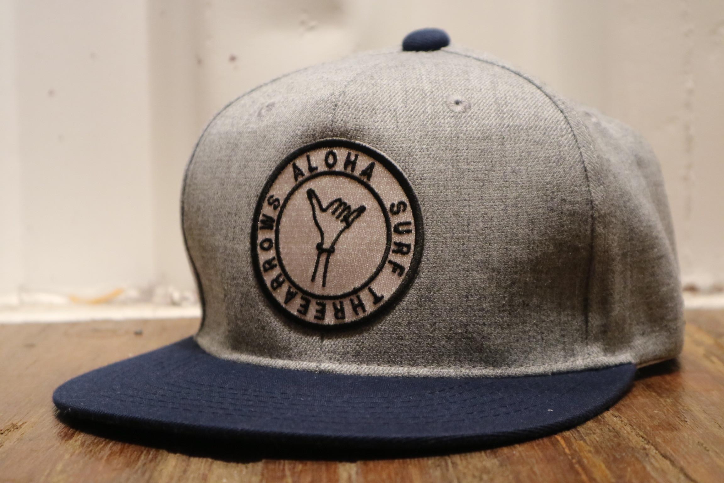 ALOHA SURF スナップバック CAP(grey×navy)