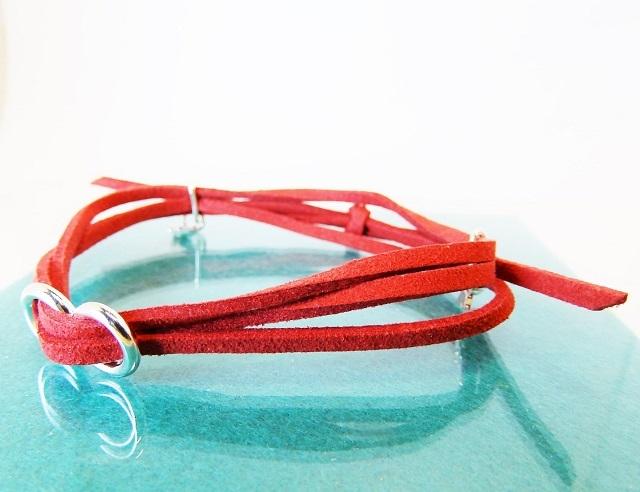 スウェード(合皮)ブレスレット 赤
