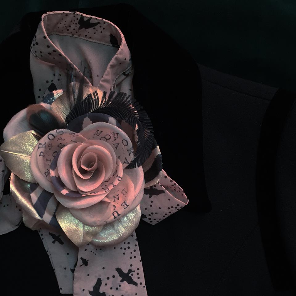 静かに記憶する薔薇/ベージュゴールド