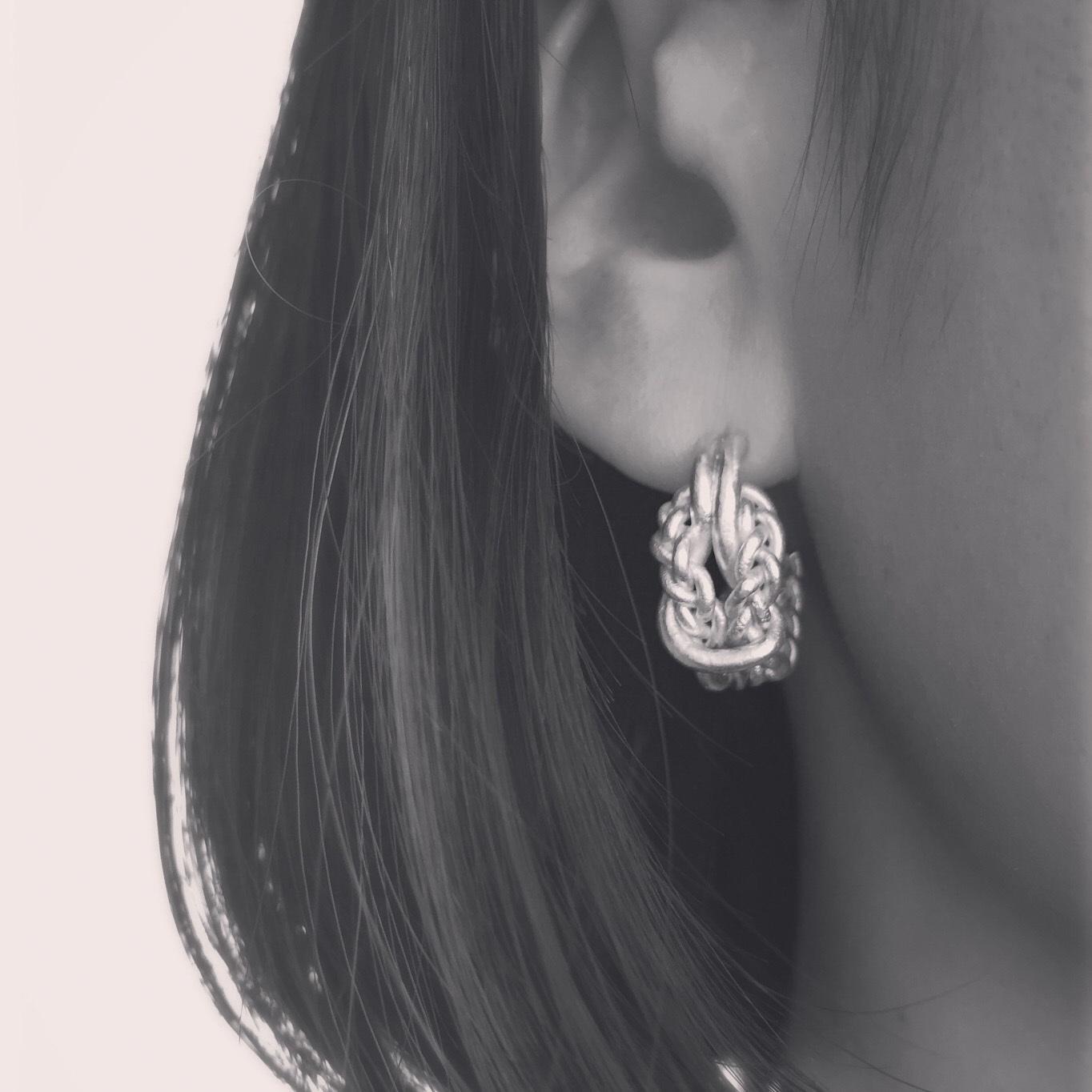 Knitted hoop pierced earrings