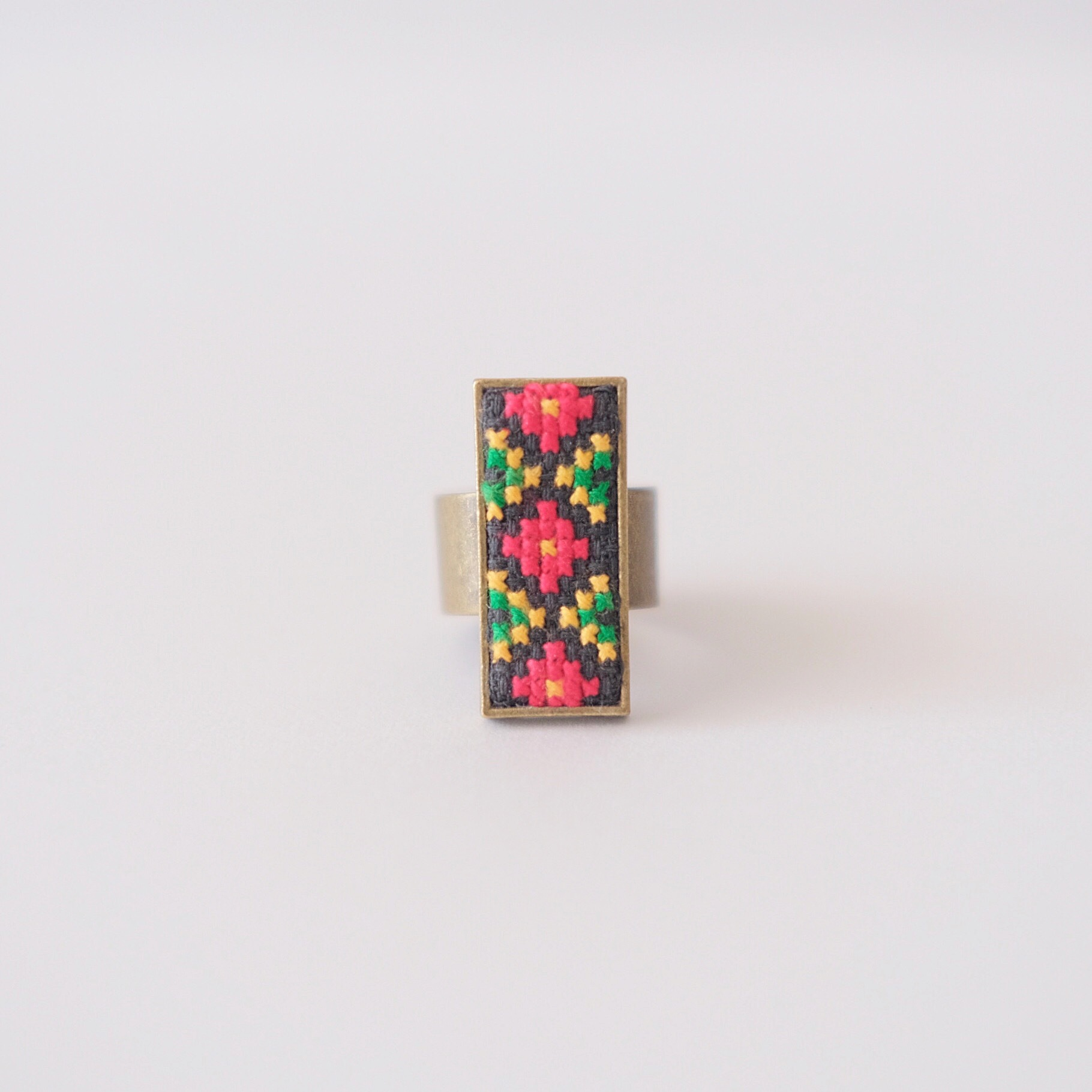ウクライナ刺繍リング
