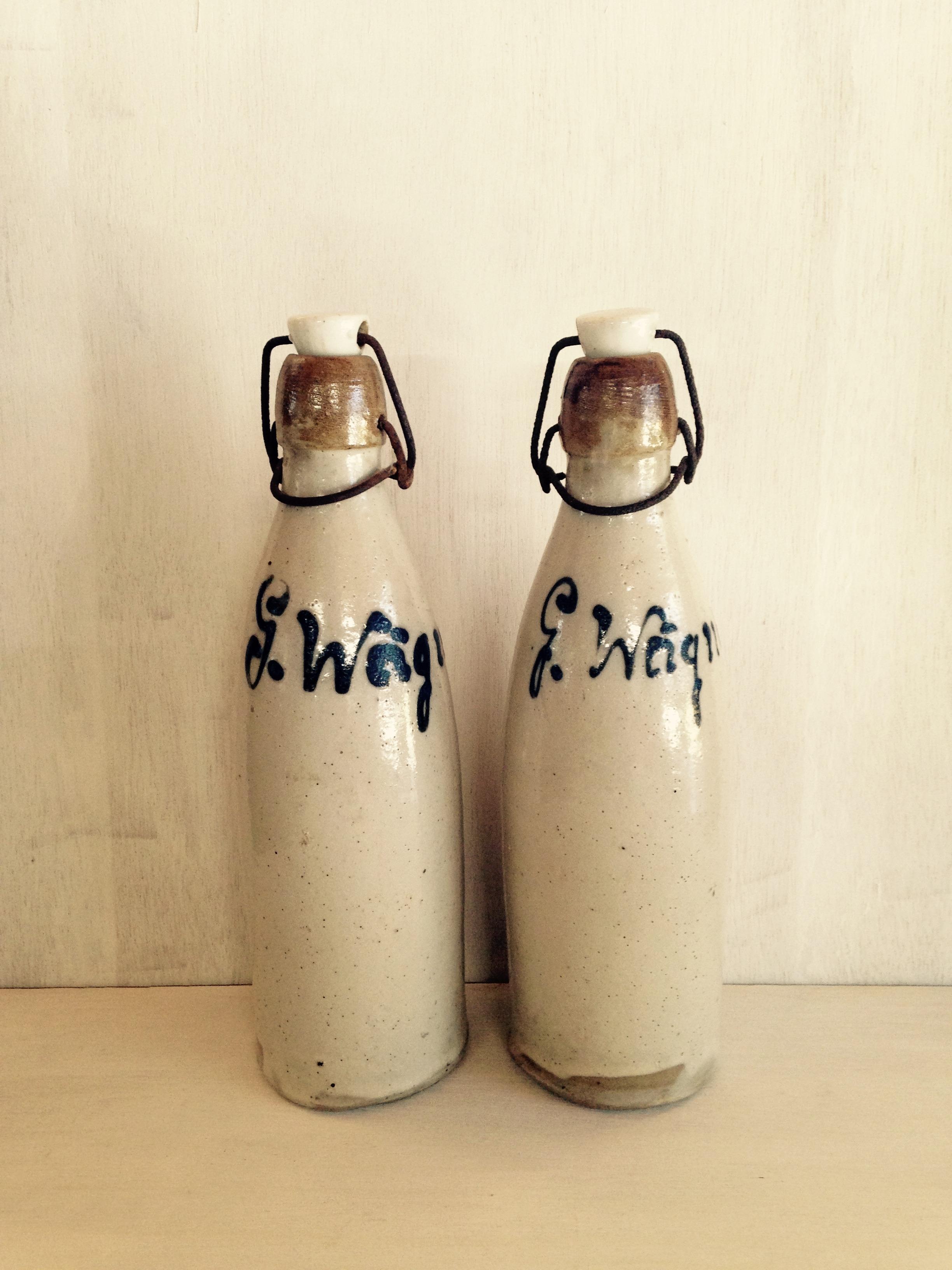 陶器製ボトル、栓付き フランス製