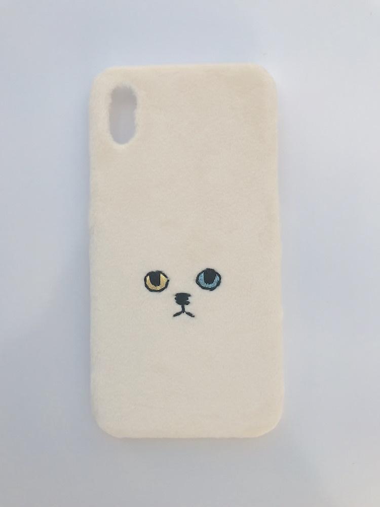 【iPhoneX専用】ネコiPhoneケース【オッドアイ】