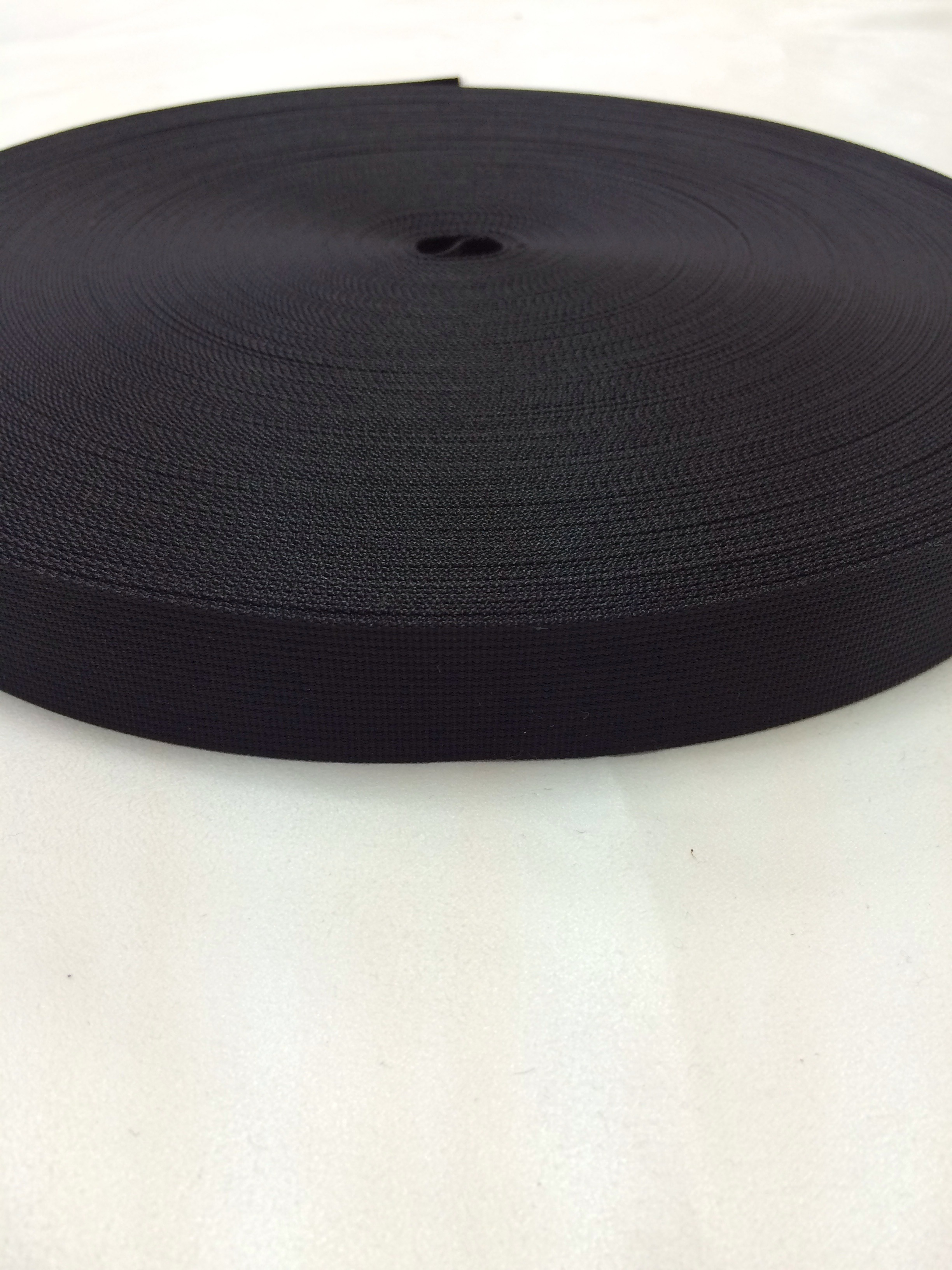 アウトドアにも ナイロンテープ 高密度織 25mm幅 1㎜厚 黒 5m