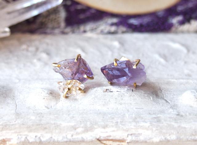 原石のアメジストとダイヤモンドクォーツのピアス