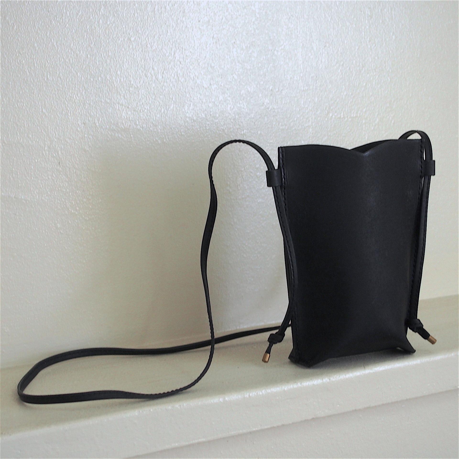 【saranam】sumoho case (black)/ 【サラナン】スマホケース(ブラック)