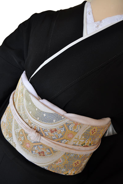 黒留袖レンタル■正絹流れの有る大胆な構図に松、梅、亀甲そして花車に鶴の柄■L寸kurot1[往復送料無料] - 画像5