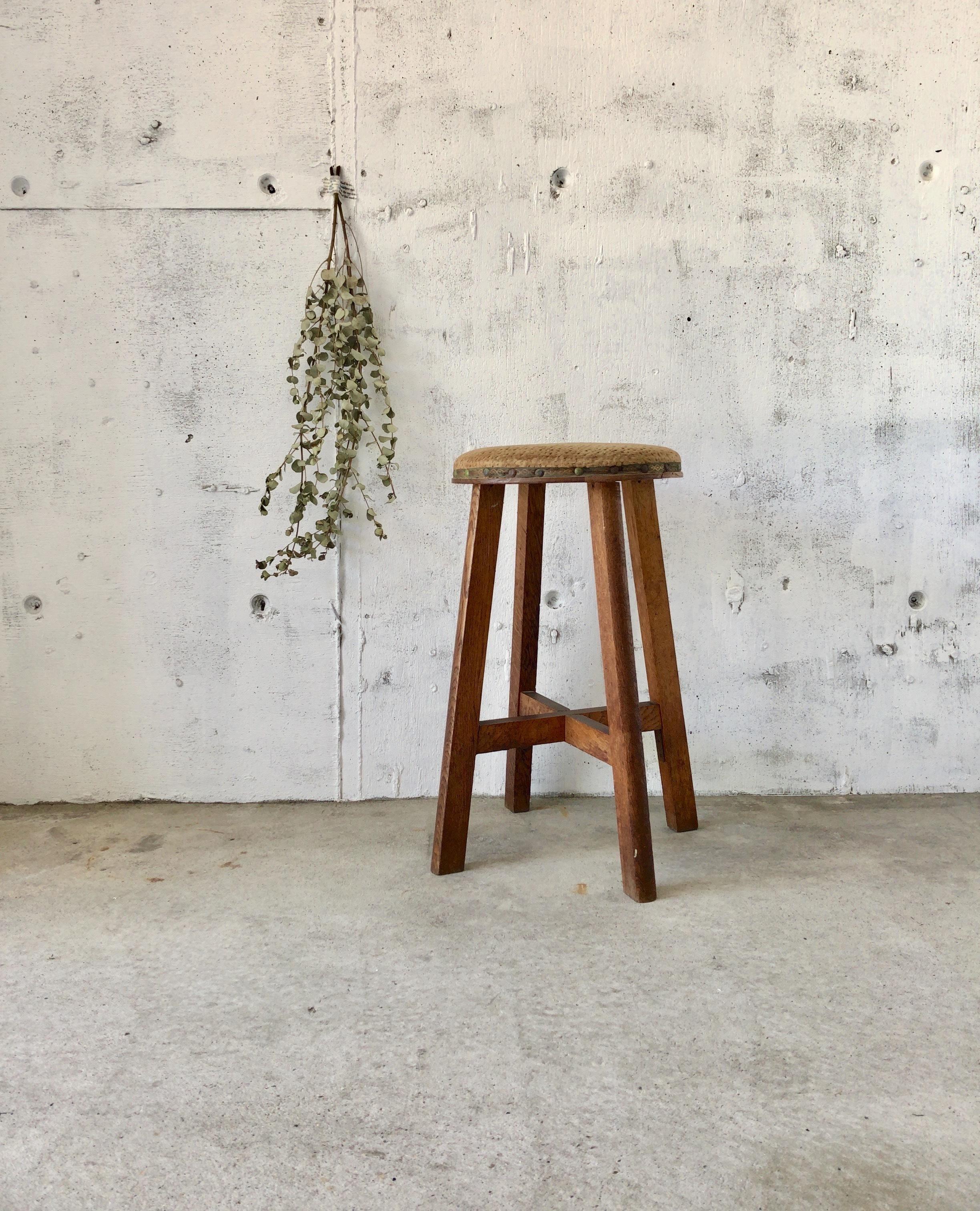 布張りのスツール[古家具]