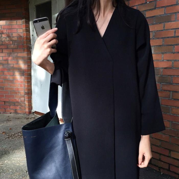 シンプル ブラック 長袖 ワンピース