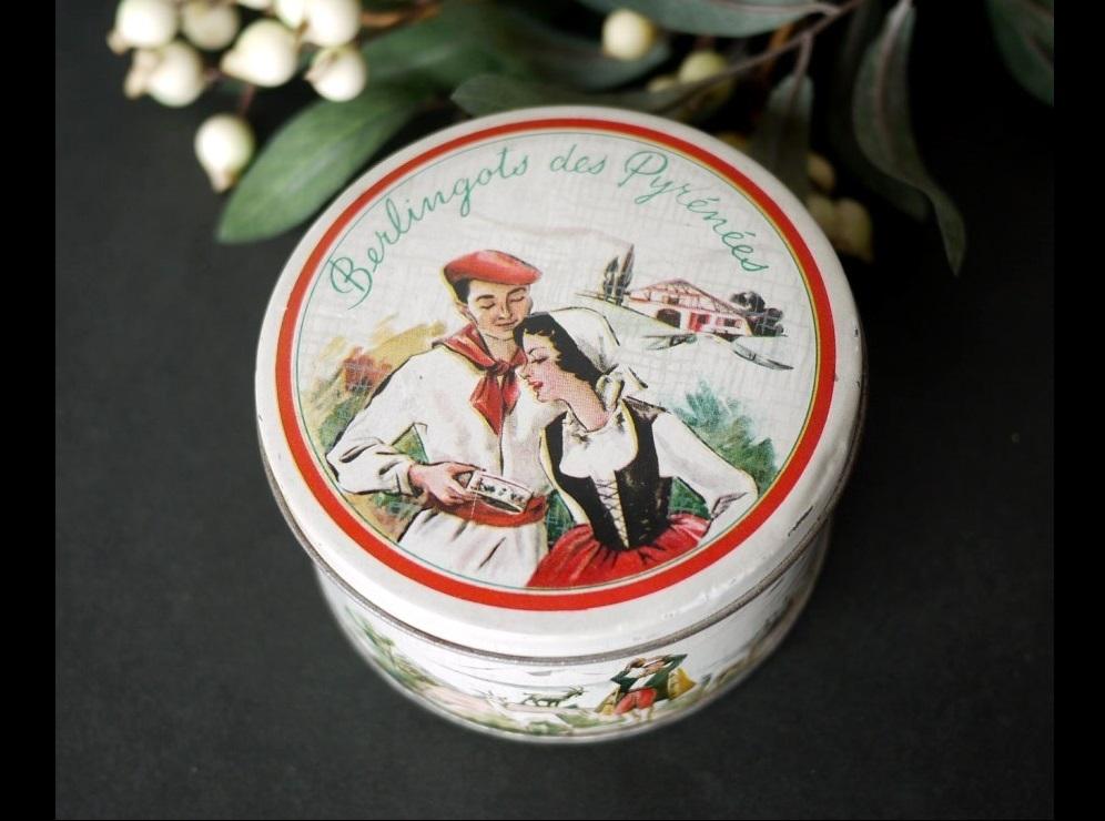 古いキャンディ缶 Berlingot ベルランゴ ピレネー山脈 民族衣装