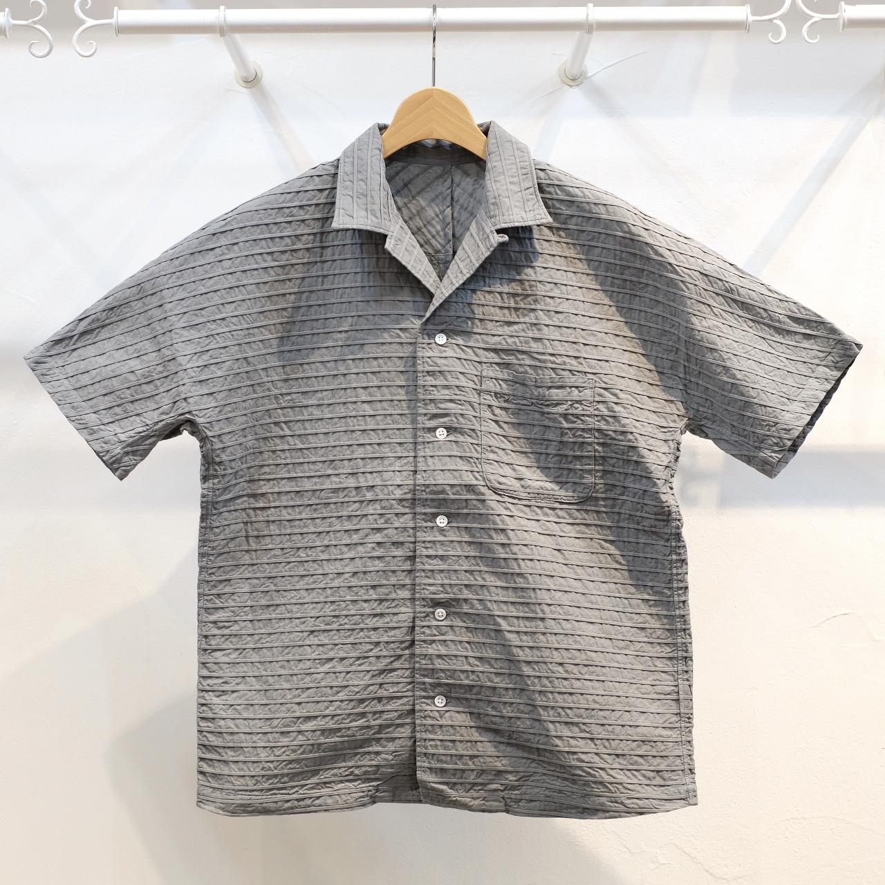 KUON(クオン) 織ピンタック 新万葉染半袖シャツ グレー
