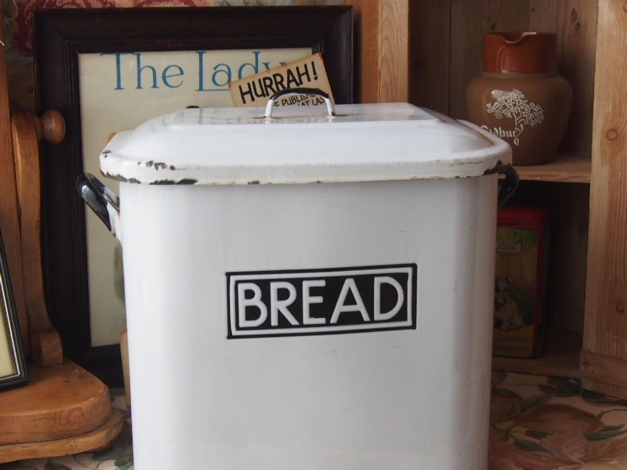 ブレッド缶