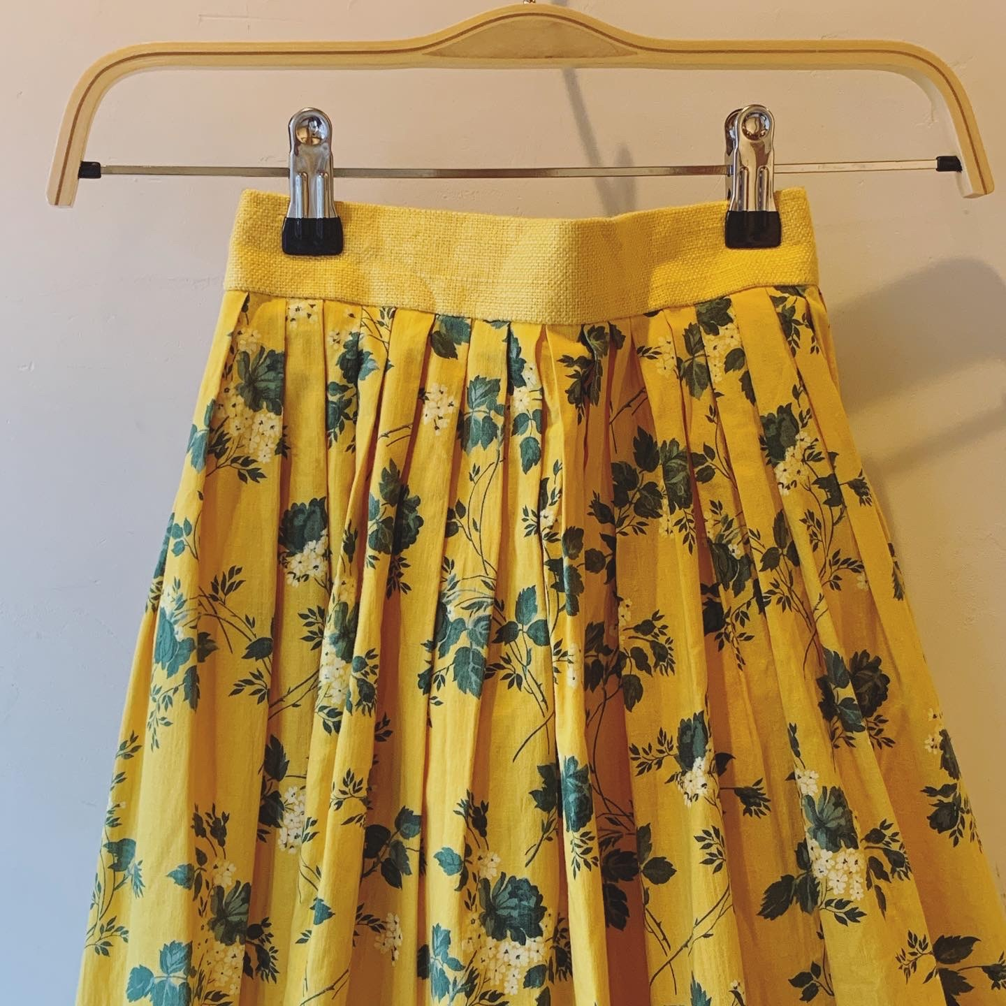 vintage flower design Yellow skirt