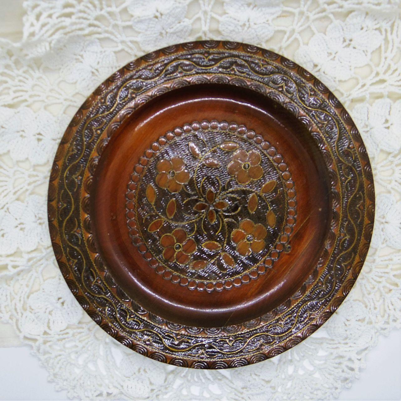 木の飾り皿②