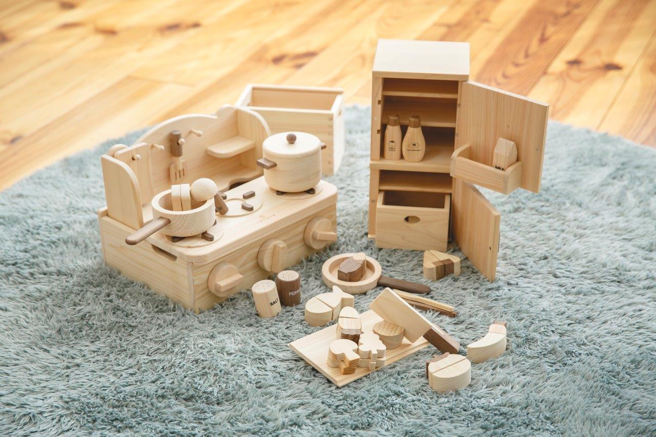 木のおもちゃ 家具の通販 IKONIH OSAKA