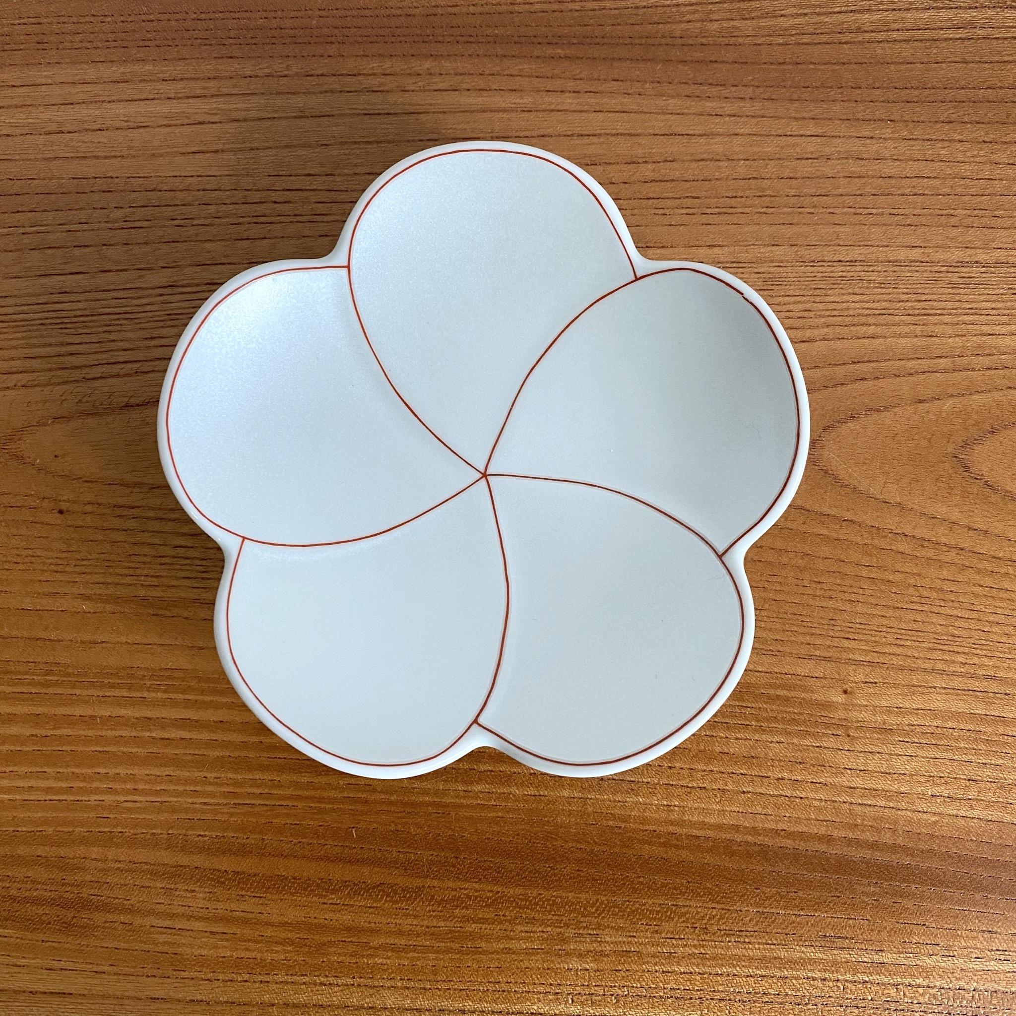 有田焼<br>梅型小皿