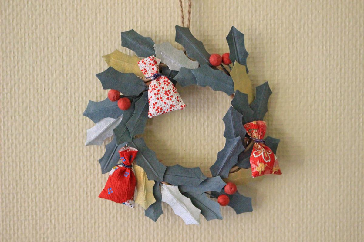 手すき和紙でクリスマスリースを作ってみませんか。