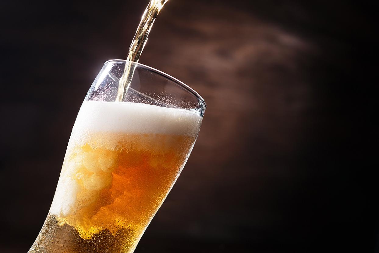 宅飲みビールの味改革!?おいしい缶ビール・瓶ビールの注ぎ方の話