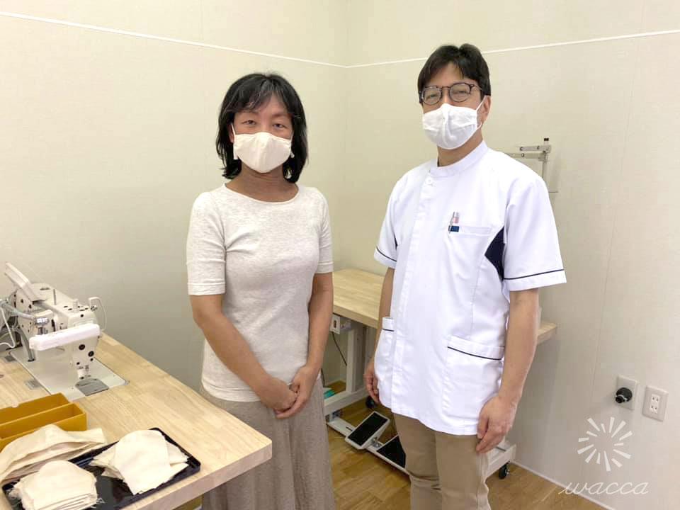 化学物質過敏症を診てくださっている吉田医師に縫製場や加工、発送の現場を見ていただきました