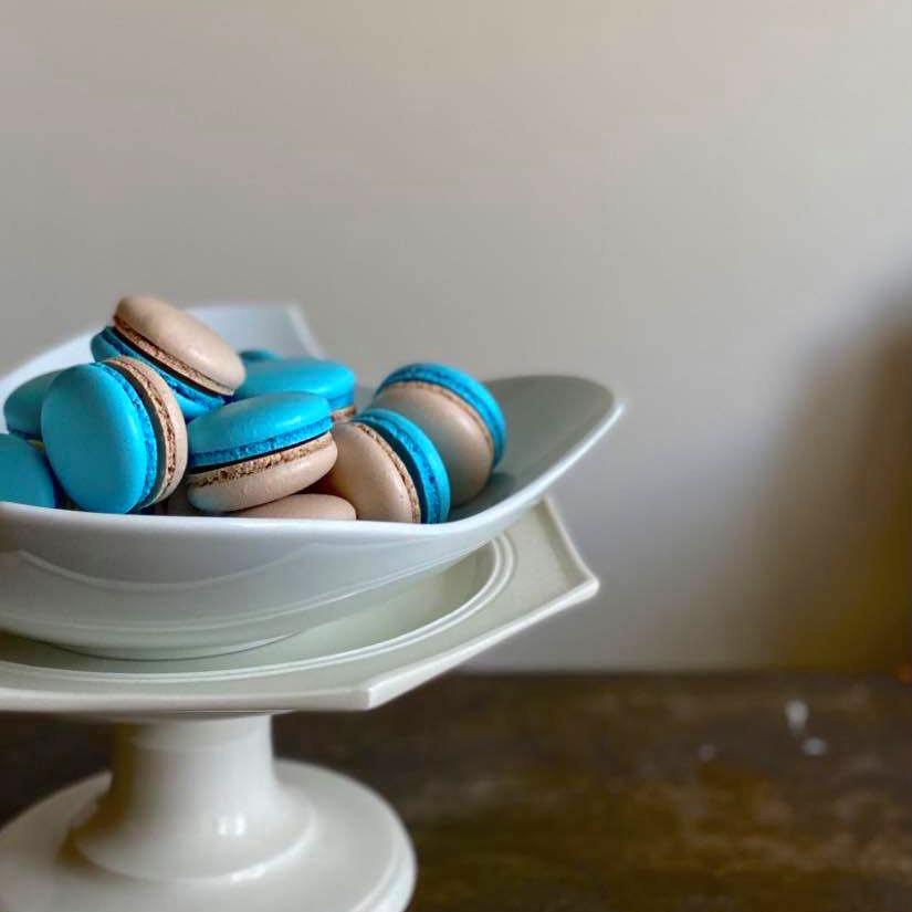 【テイクアウト販売:事前予約制】本日20時より、青空マカロンさんのチョコレートマカロン販売スタート!