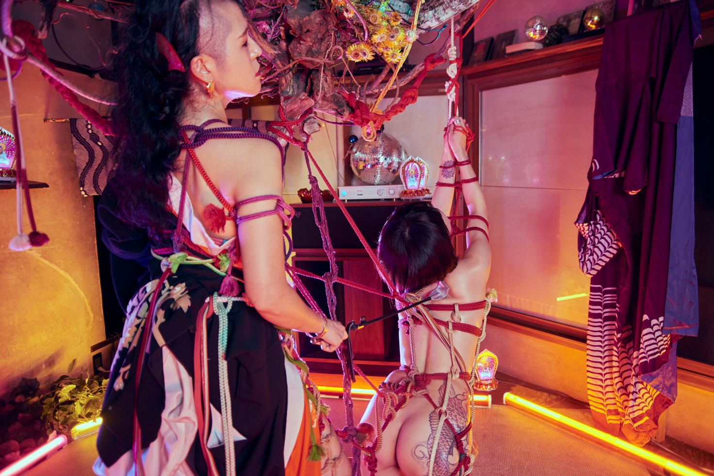 [ アザーカット写真展 ] ボノボガールズカレンダー2021<6月>