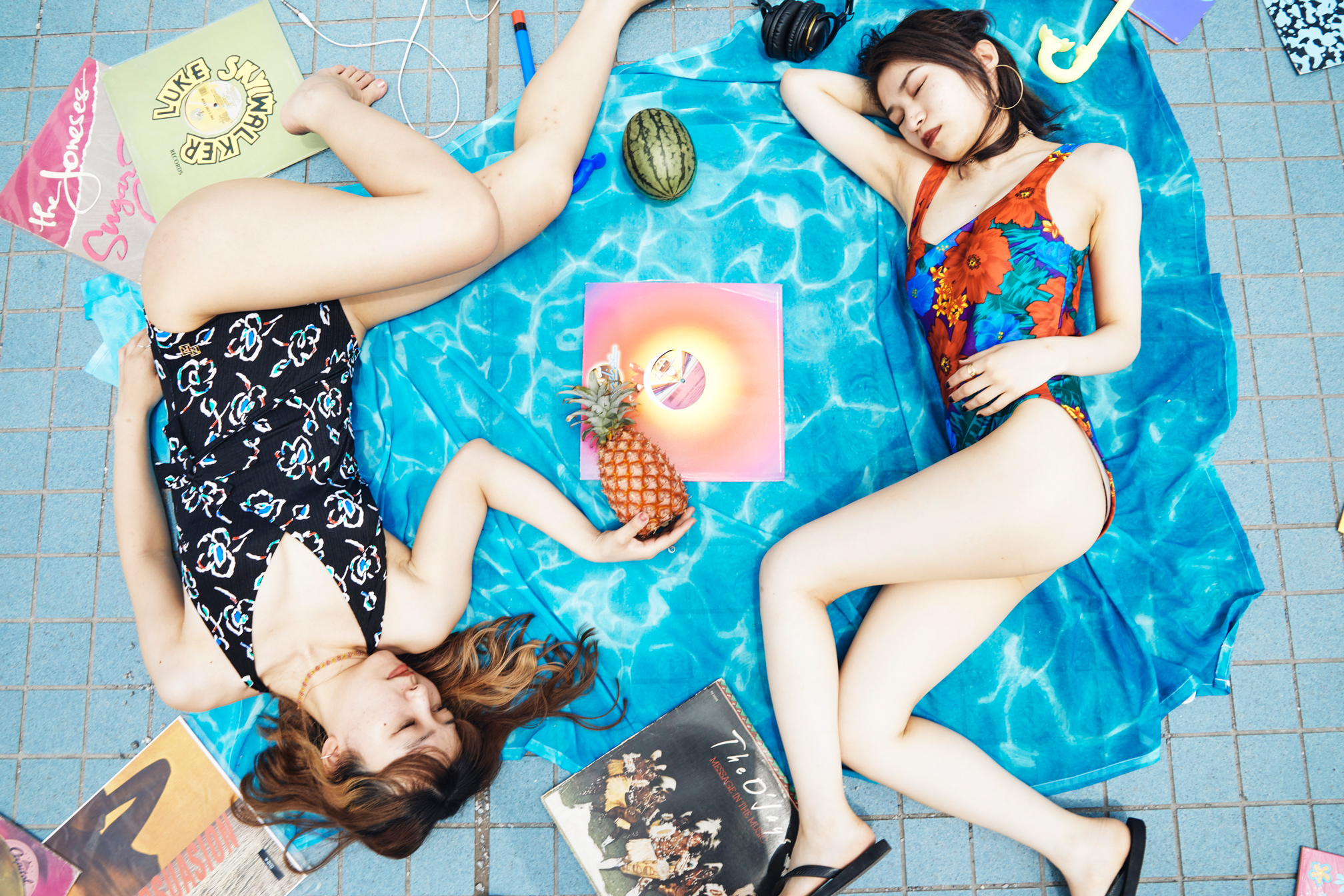 [ アザーカット写真展 ] ボノボガールズカレンダー2021<7月>
