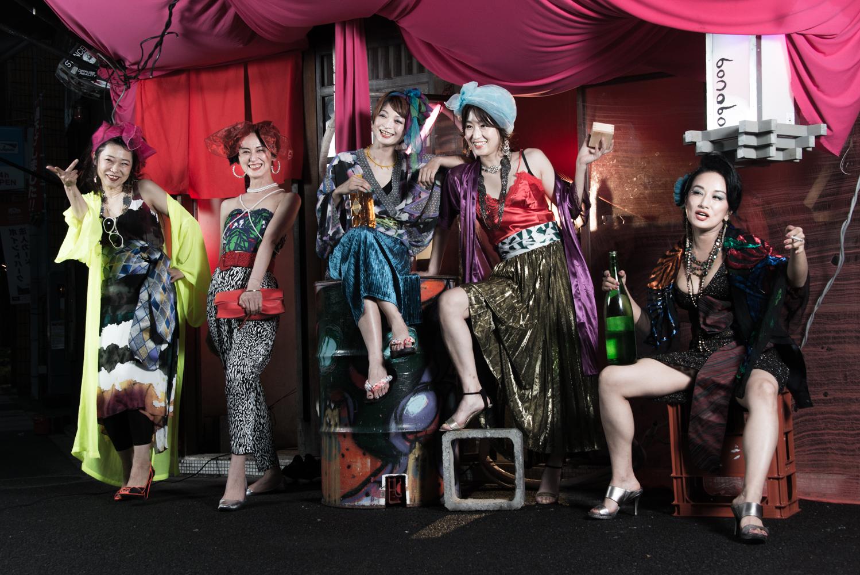 [ アザーカット写真展 ] ボノボガールズカレンダー2021<5月>