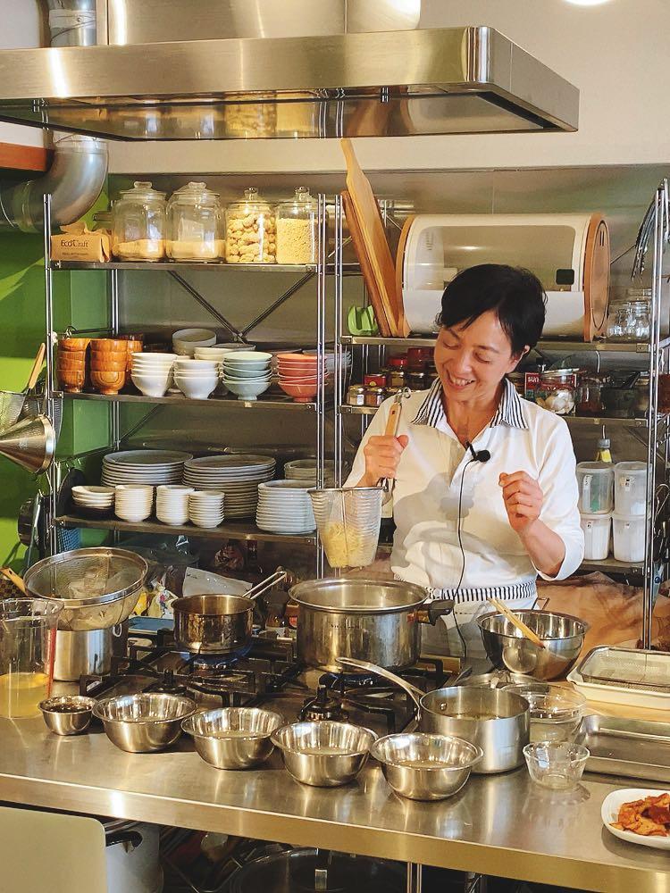 ヴィーガン料理をお家で学べる! 一流の講師のクラスが気軽に学べる! オンラインレッスンをどうぞ