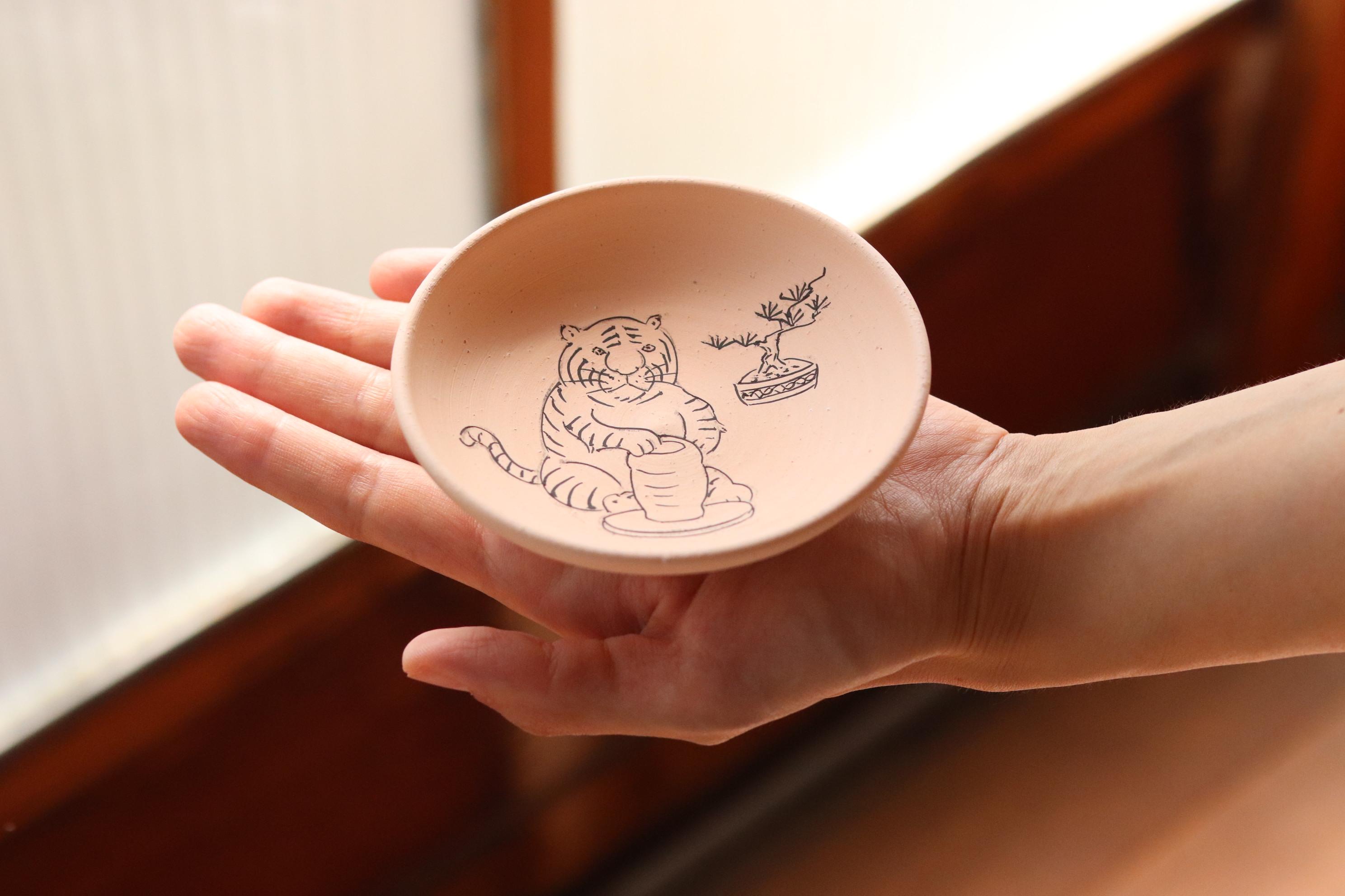 虎の絵皿の作り方 by.Yui
