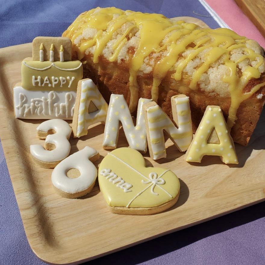 宅トレで有名なANNAさんのバースデーケーキをお作りしました♡