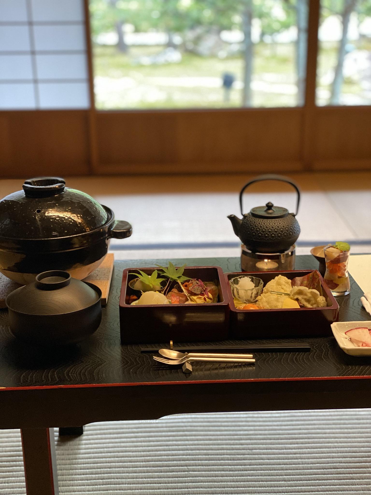 高台寺貸切早朝拝観と非公開茶室湖月庵での朝食