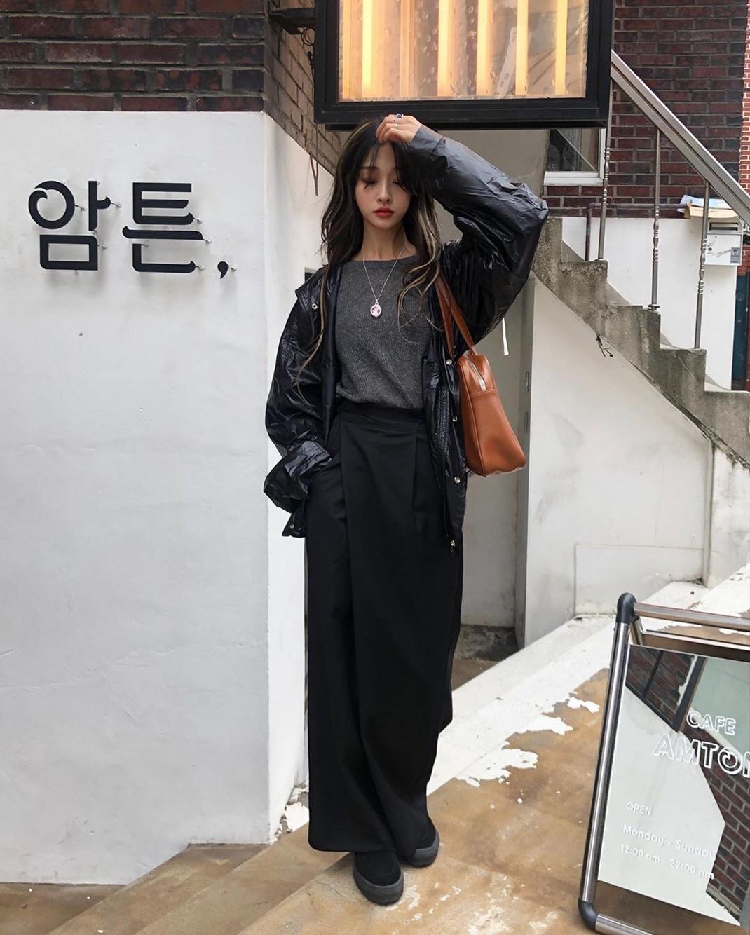 韓国@mong__beeさん PROVOを着用👖