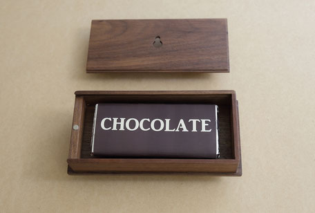 チョコレートの時計にこめられた想い。