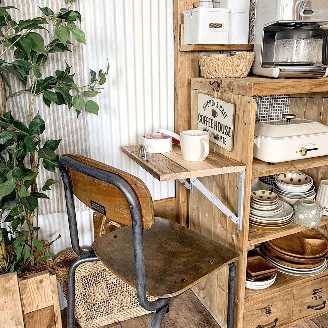 Folding Bracket S Grayで作った簡易ティーテーブル、くつろぎにとてもいいです!